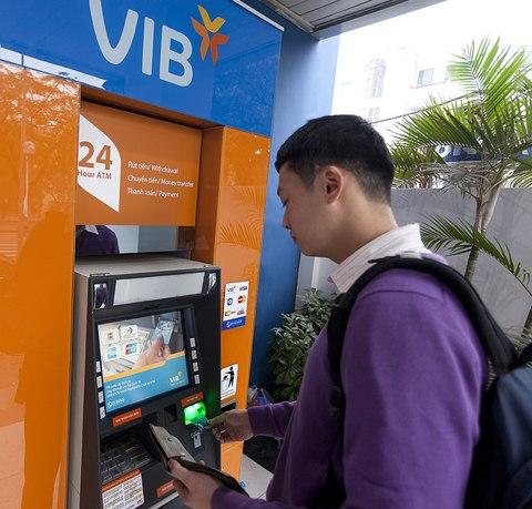 Cập nhật biểu phí giao dịch và phát hành thẻ ghi nợ nội địa VIB Values 2014