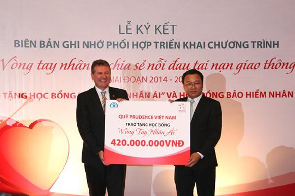 thebank_vongtaynhanaichiasenoidautainangiaothong_1485166595