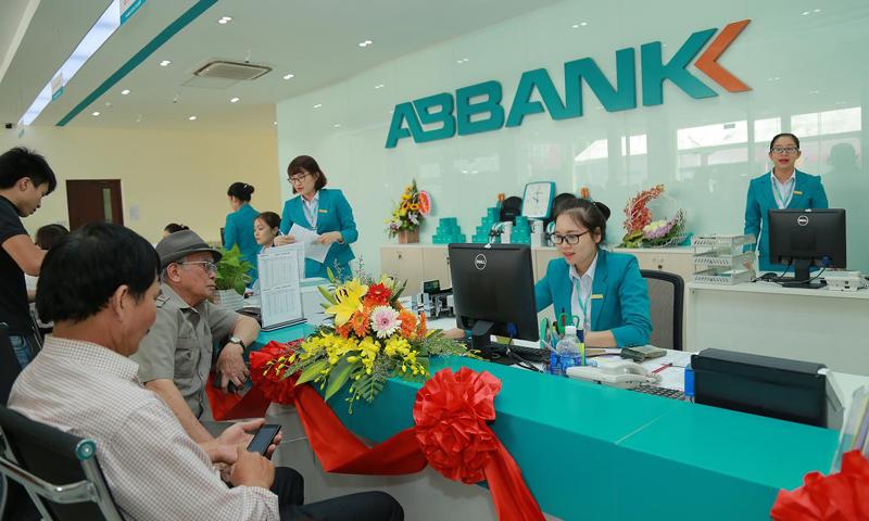 thebank_vaytieudungthechapabbank_1486544403