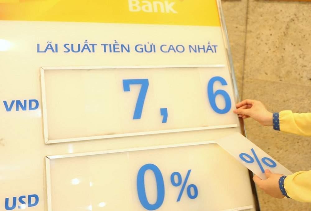 Lãi suất huy động đồng loạt giảm sau quyết định của Ngân hàng Nhà nước