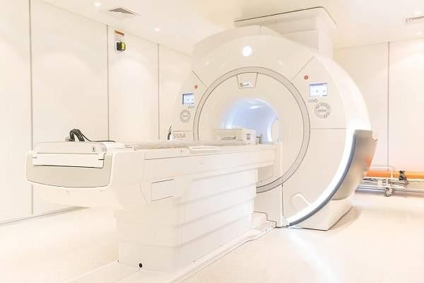 Hệ thống máy chẩn đoán hình ảnh hiện đại, đồng bộ