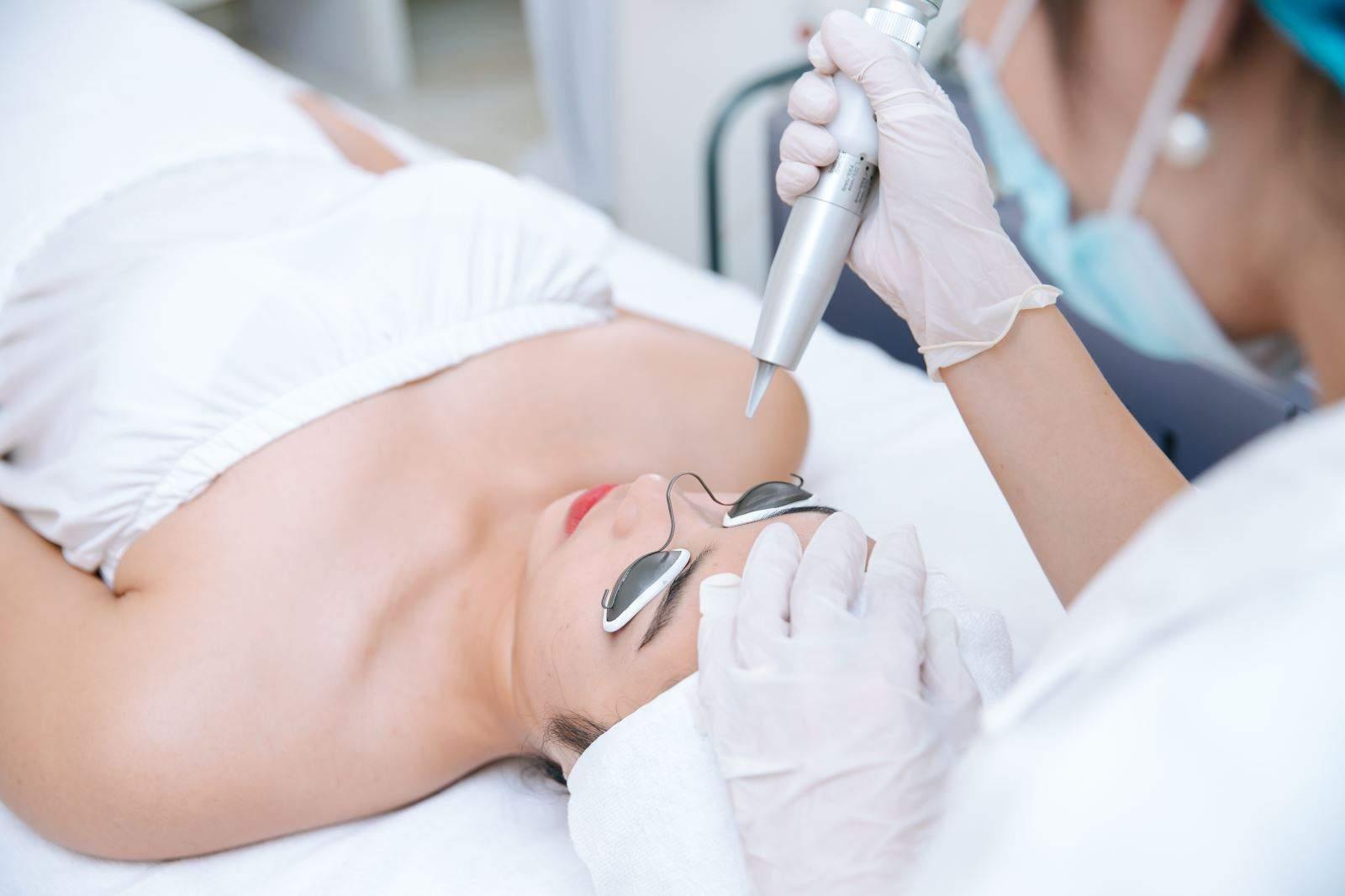 Khoa phẫu thuật thẩm mỹ