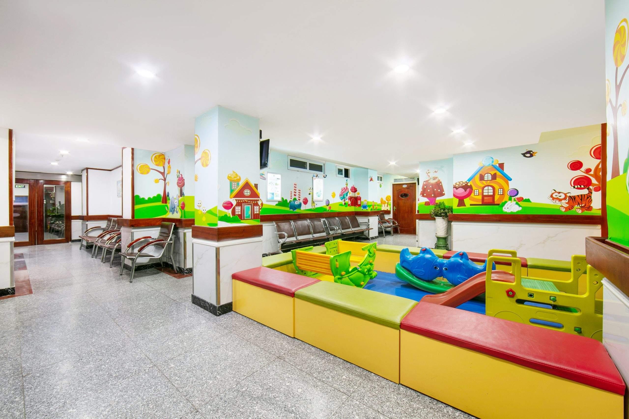 Khu vui chơi cho trẻ em của bệnh viện Hồng Ngọc