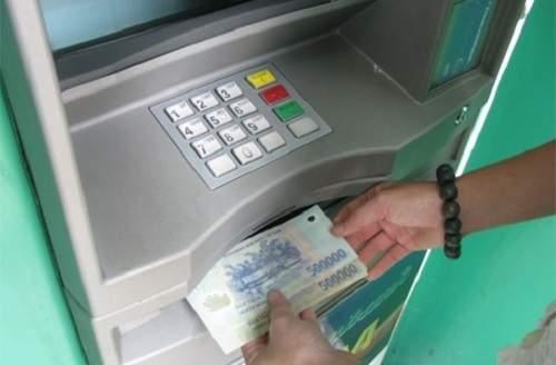 Hướng dẫn cách rút tiền từ thẻ Mastercard