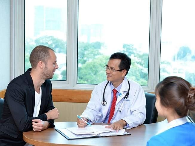 Bảo hiểm sức khỏe cho người nước ngoài