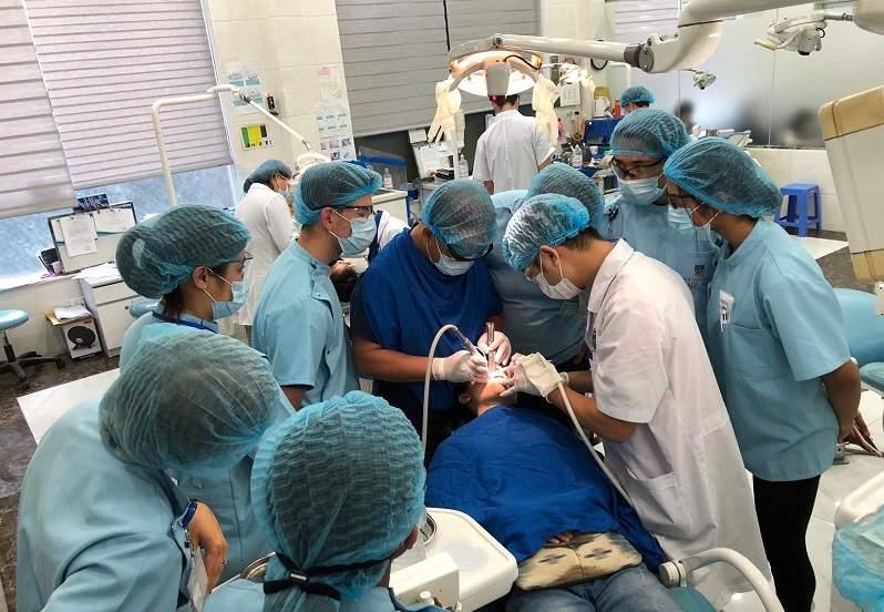 Khoa Phẫu thuật trong miệng