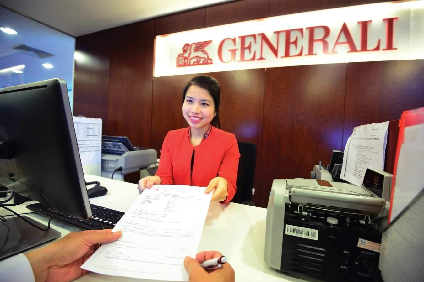Đến phòng giao dịch của Generali để giải quyết quyền lợi bảo hiểm