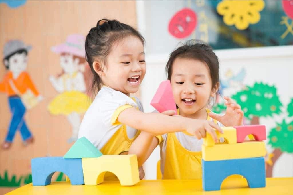 Bảo hiểm nhân thọ AIA - Điểm tựa vững chắc cho tương lai của con