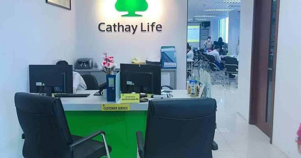 Đến trực tiếp phòng giao dịch của Cathay Life