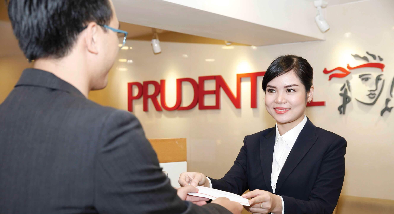 Đến trực tiếp phòng giao dịch Prudential