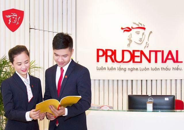 Nhân viên chăm sóc khách hàng của Prudential