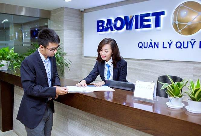 Đến trực tiếp phòng giao dịch của bảo hiểm Bảo Việt