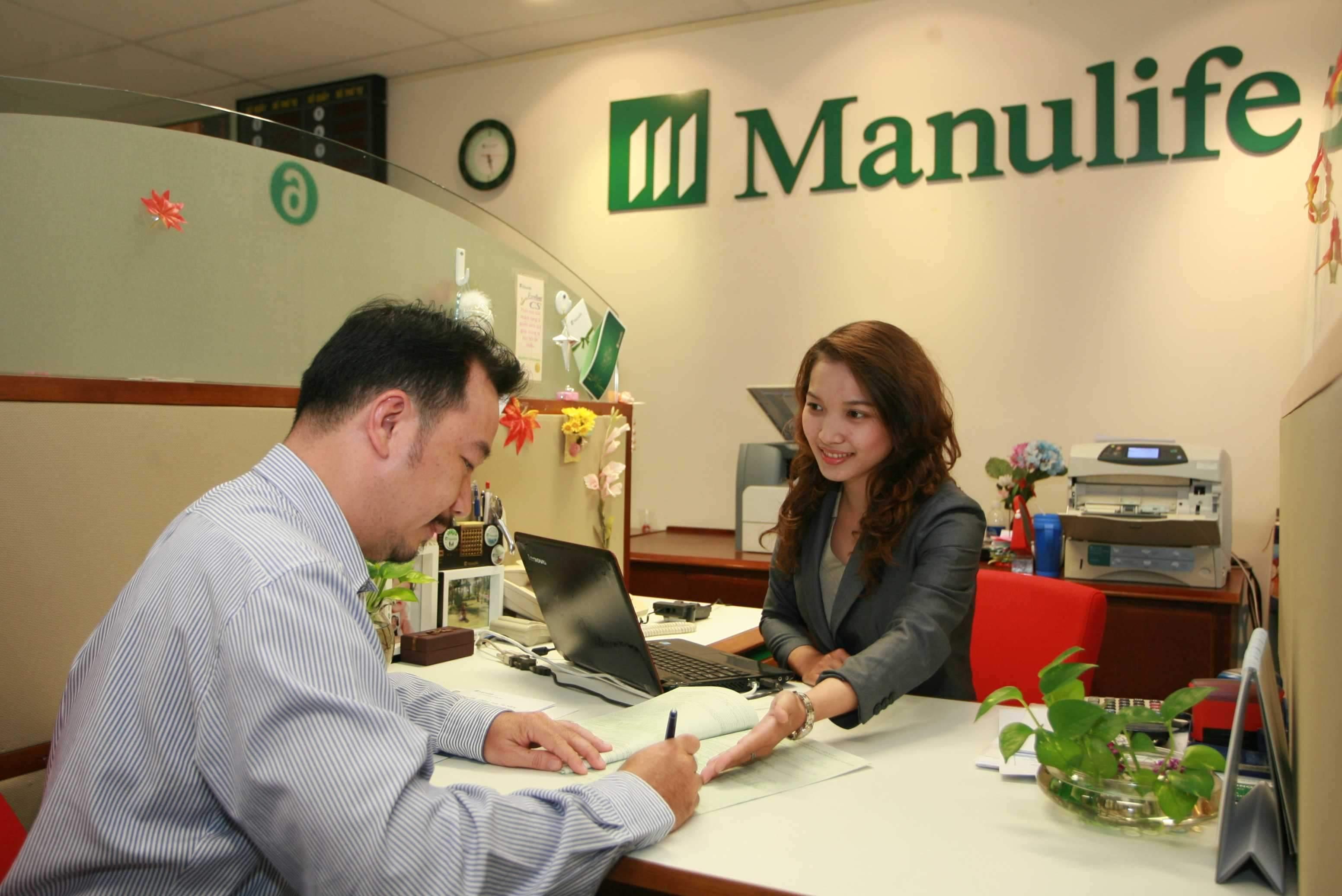 Đến trực tiếp phòng giao dịch của Manulife