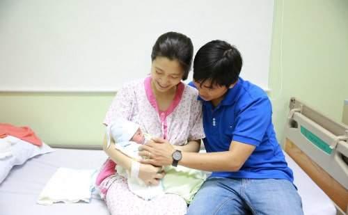 2 vợ chồng đóng BHXH được hưởng chế độ thai sản