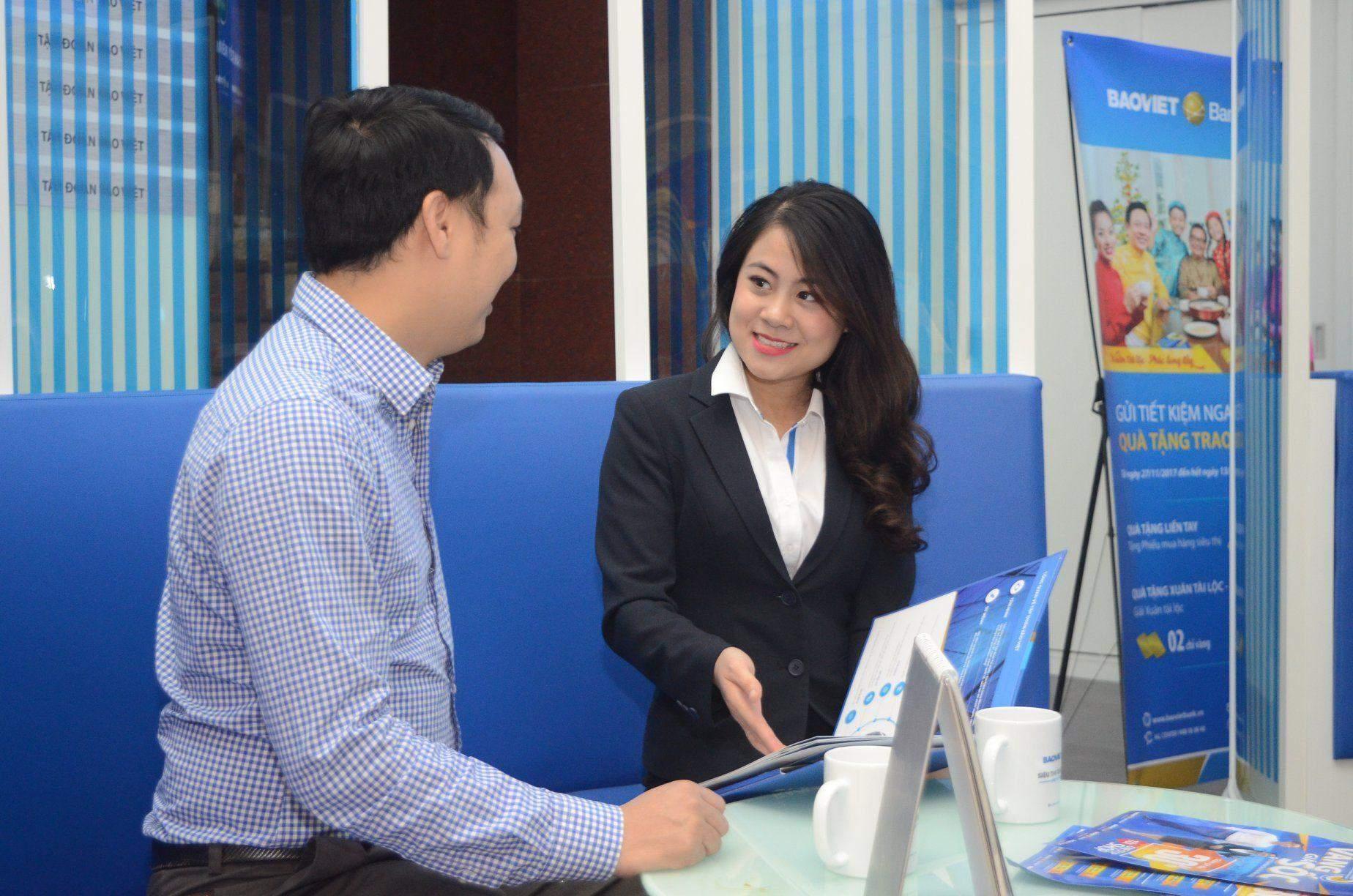 Khách hàng đăng ký vay thấu chi BAOVIET Bank