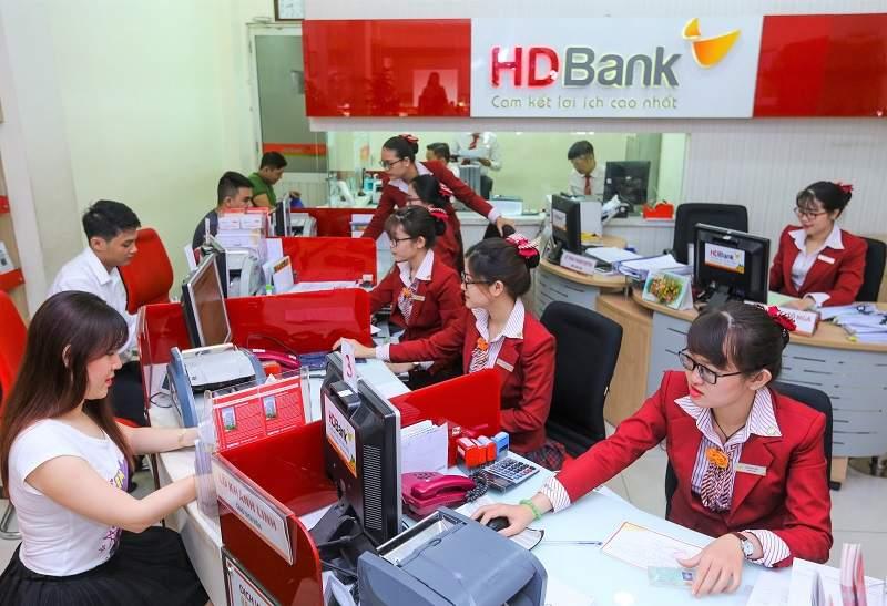Khách hàng đăng ký vay thấu chi HDBank