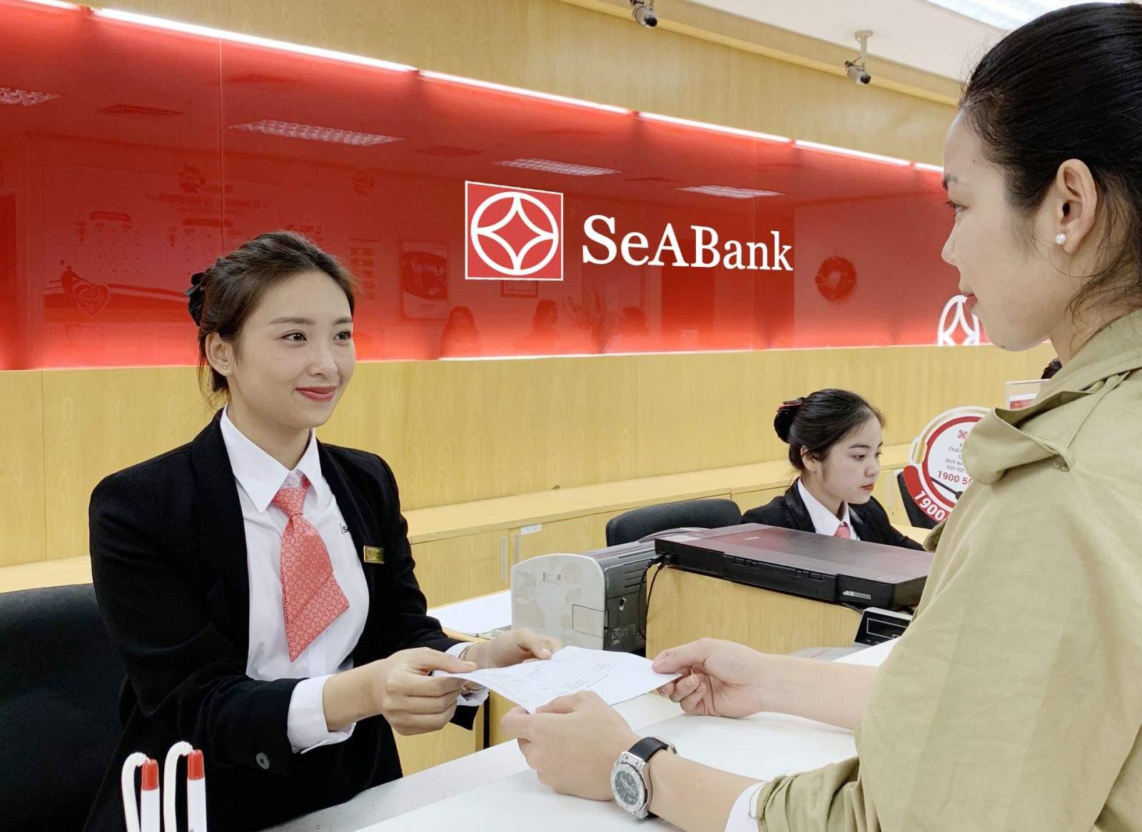 Khách hàng đăng ký vay thấu chi SeABank
