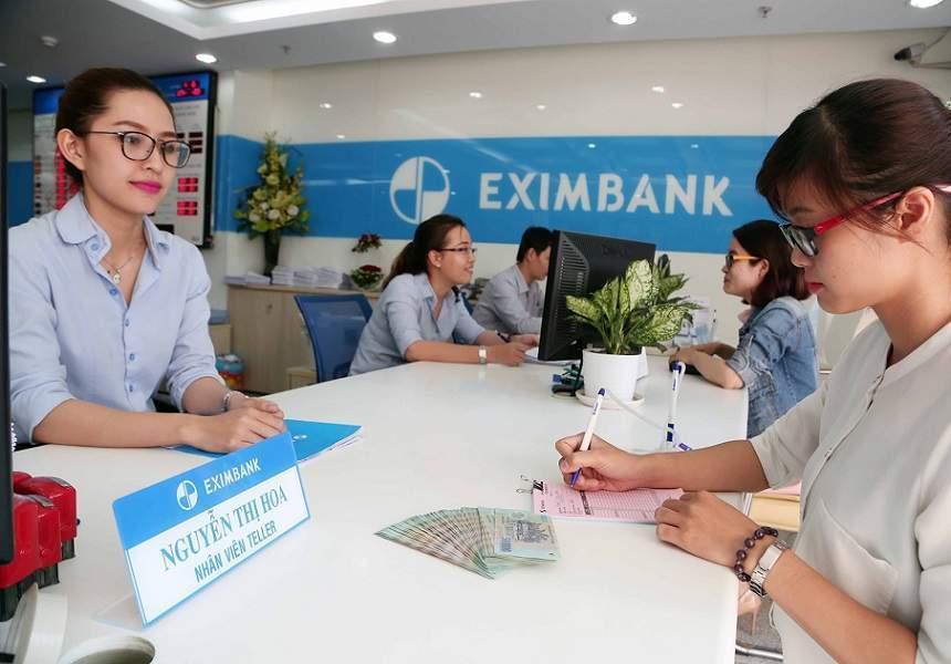 Khách hàng đăng ký vay sửa nhà Eximbank