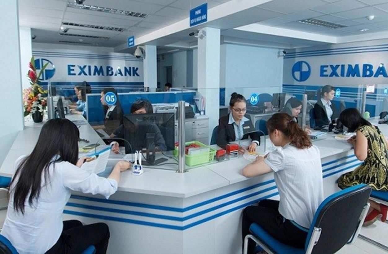 Khách hàng vay cầm cố sổ tiết kiệm Eximbank