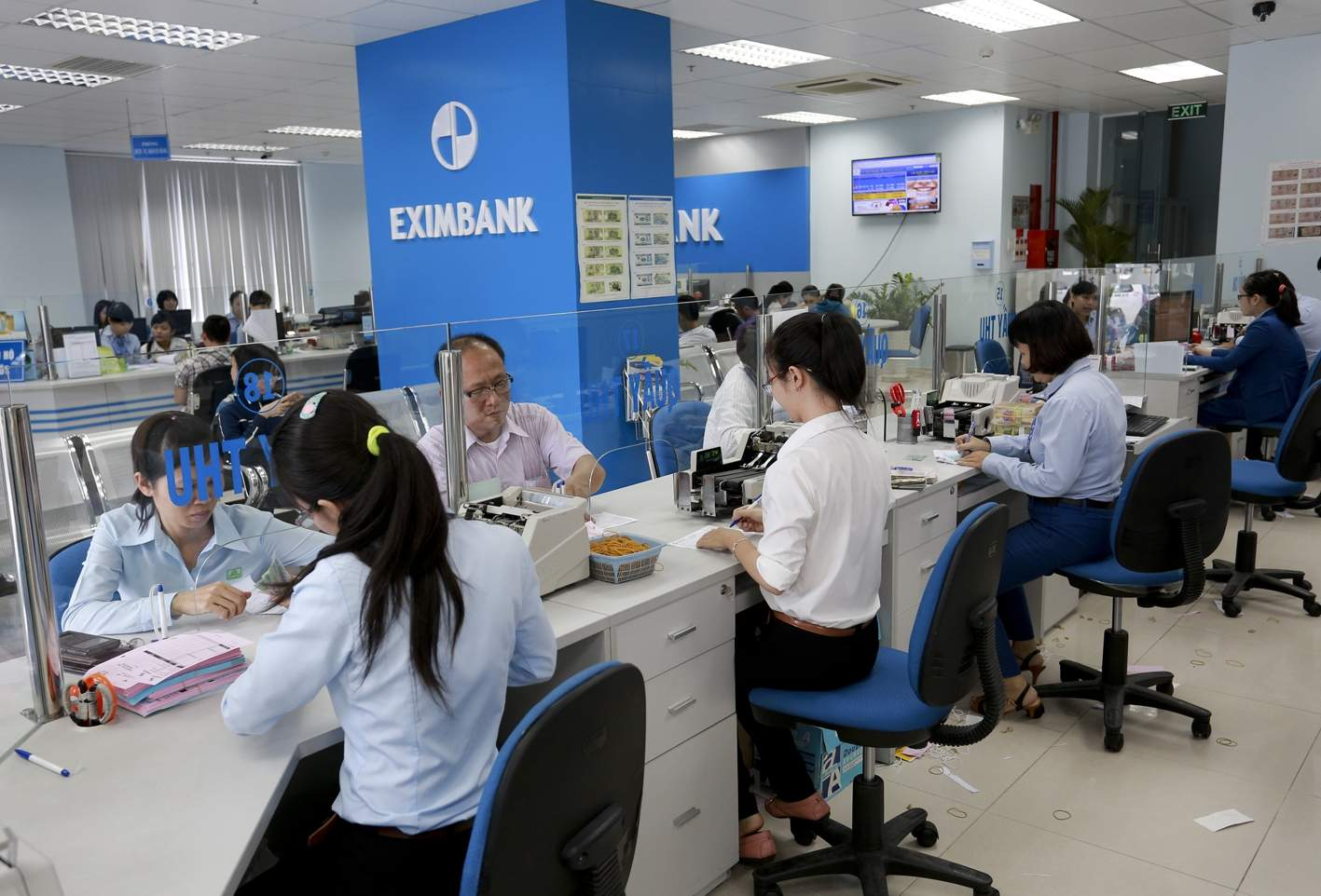 Khách hàng đăng ký vay kinh doanh Eximbank