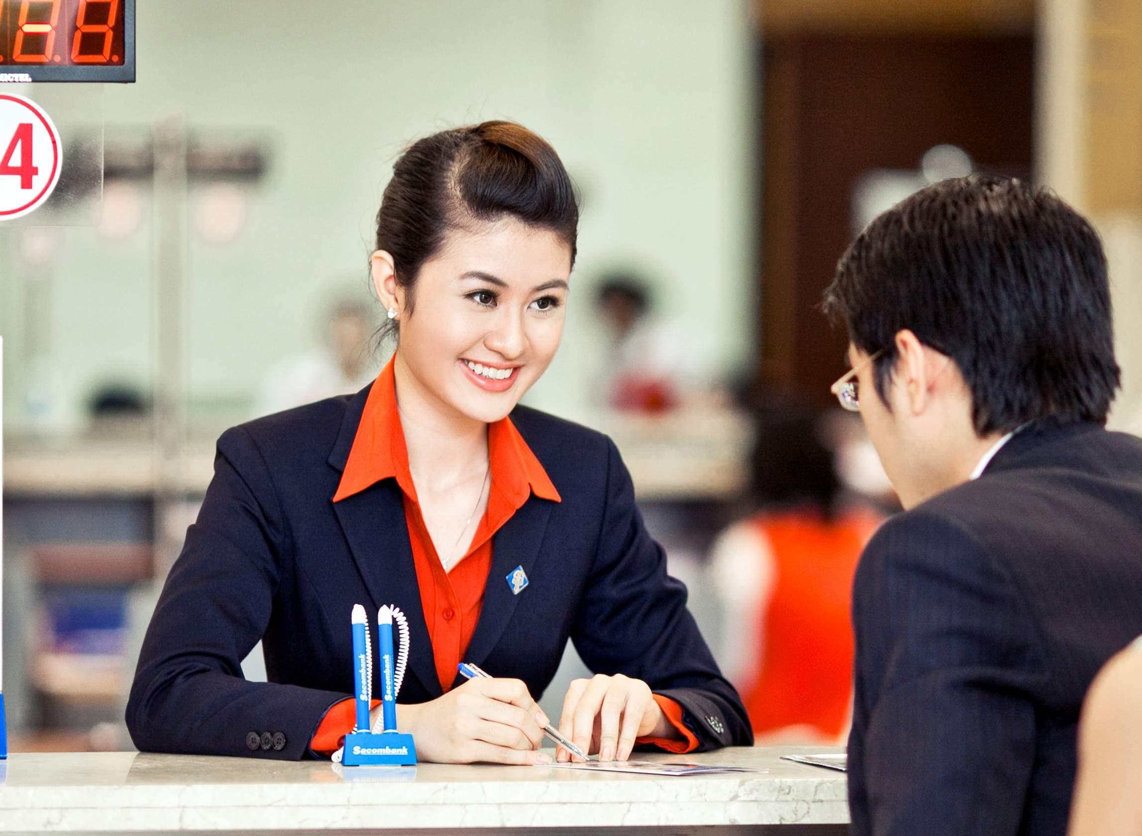 Khách hàng đăng ký vay kinh doanh nhà thuốc Sacombank