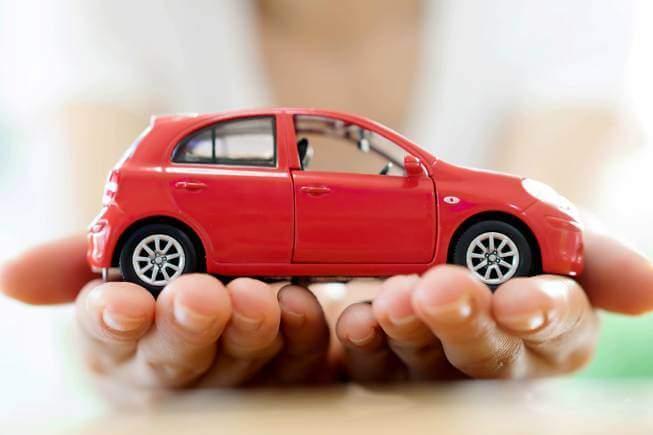 Nhiều khách hàng đăng ký vay mua xe tại Standard Chartered