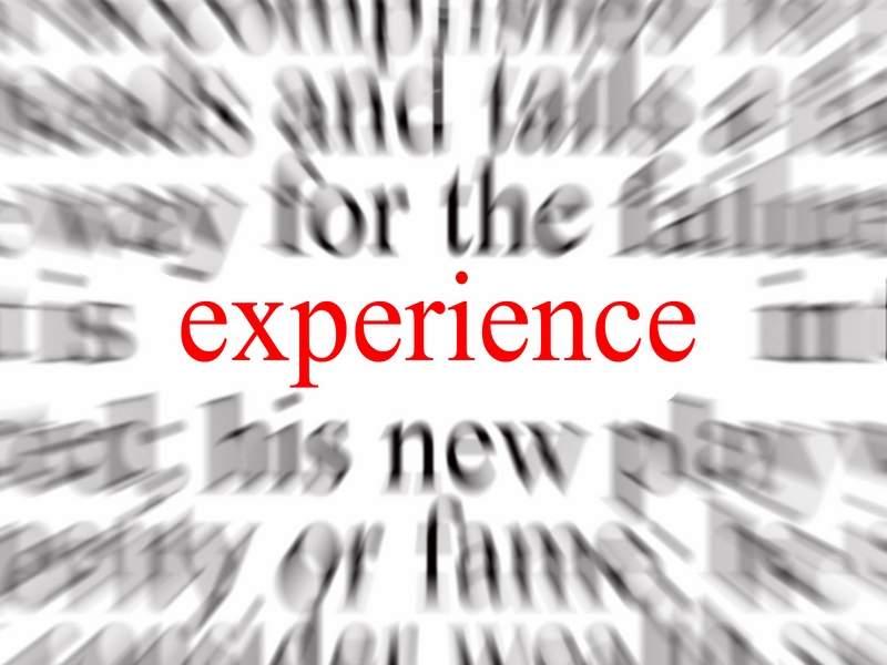 Bạn cần ít nhất 1 năm kinh nghiệm làm việc nếu dưới 25 tuổi