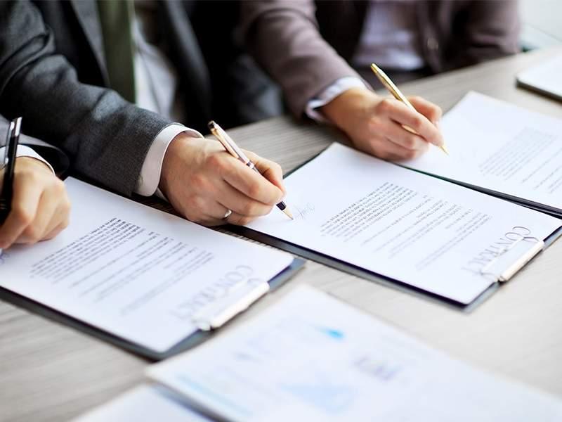 Người vay cần đáp ứng đúng quy định về vay vốn của ngân hàng