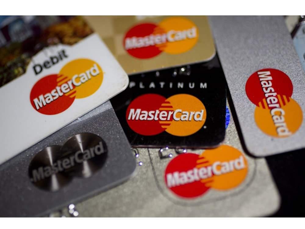 thẻ ghi nợ mastercard là gì