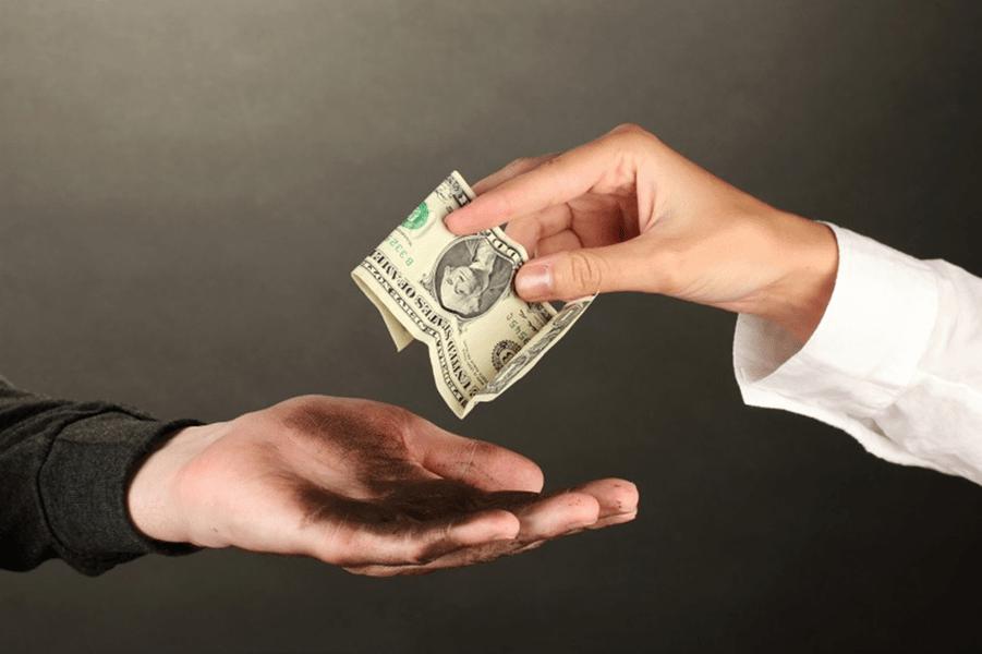 Bảo hiểm sức khỏe cá nhân - chia sẻ gánh nặng tài chính