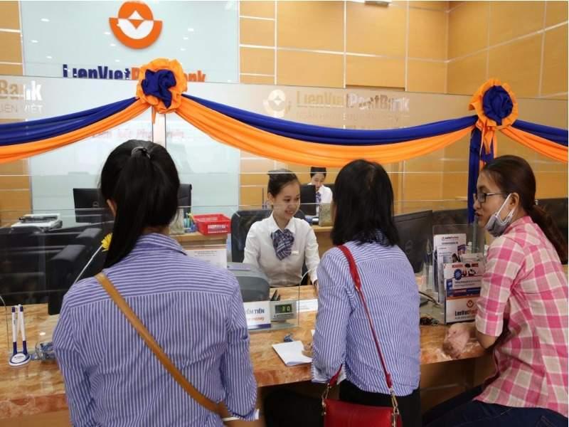 Thẻ trả trước vô danh chỉ được sử dụng để thanh toán tiền hàng hóa dịch vụ và không được rút tiền mặt.