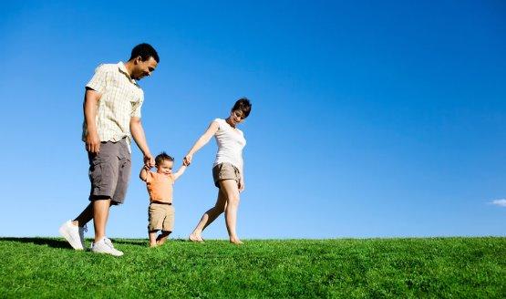 Có nên mua bảo hiểm nhân thọ cho con?