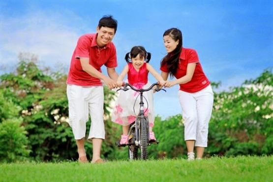 Nên mua bảo hiểm nào cho con? đang là câu hỏi được các bậc cha mẹ quan tâm hiện nay