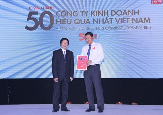 Tổng Giám đốc BIC, nhận giải thưởng cao quý của Ban Tổ chức