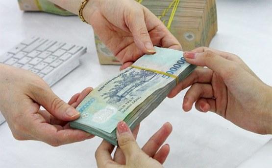 Chọn vay tín chấp theo lương hay theo bảo hiểm nhân thọ để được lợi ích cao nhất từ khoản vay?