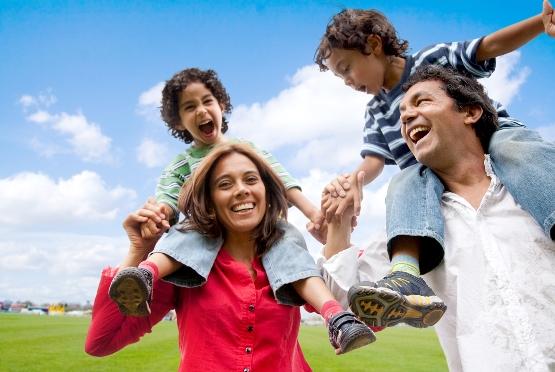Cẩm nang bảo hiểm sức khỏe cho gia đình bạn