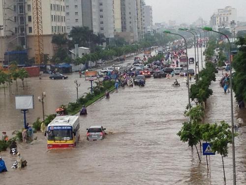 Mùa mưa bão, bảo hiểm được nhắc tới như một giải pháp hạn chế rủi ro trọng tâm