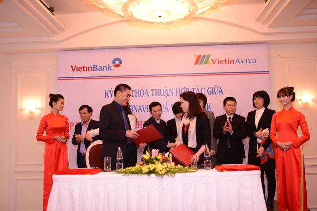 VietinAviva và Vietinbank hợp tác cung cấp dịch vụ bán chéo giữa bảo hiểm và thẻ