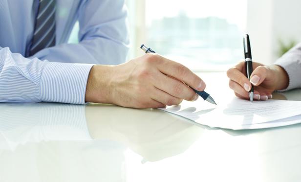 ký hợp đồng bảo hiểm nhân thọ