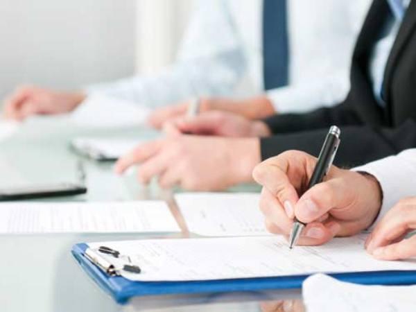 Đọc kĩ các điều khoản trước khi kí hợp đồng bảo hiểm nhân thọ