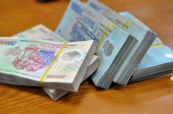 ngân hàng thiếu hụt thanh khoản nên ngân hàng nhà nước không thể hạ trần lãi suất huy động