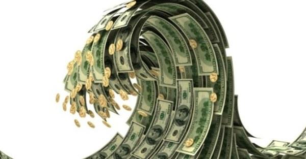 Đầu tư tiền vào đâu khi lãi suất gửi tiết kiệm tiếp tục hạ?